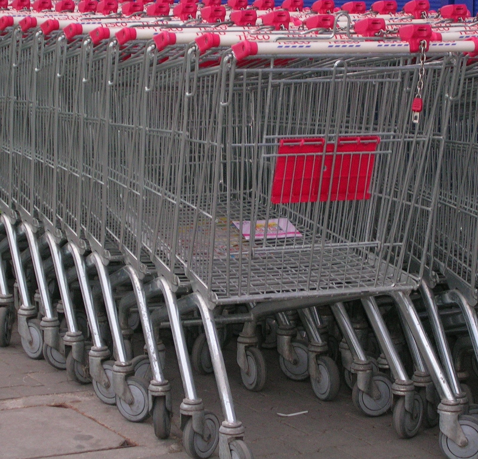 supermarket_trolleys