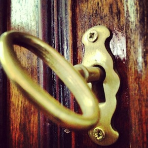 Home Security: 4 Tips Every Single Woman Can Practice