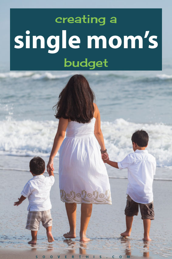 This is a REAL budget for a single mom (or dad). Creating a single moms budget has to take into account different things, and allow enough flexibility to deal with the challenges that come with being a single parent. #budget #parenting