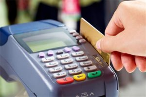 Smart Reasons to Use a Credit Card for All Purchases